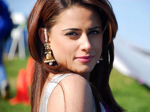 Mehreen Raheel - Pic Riddle 2187 (Solved)