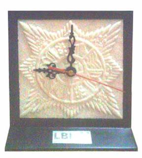 souvenir jam surya majapahit dari batu_company gift_souvenir perusahaan