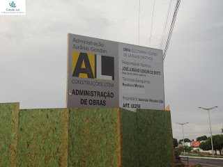 Placa de empreendimento na Lagoa Seca.