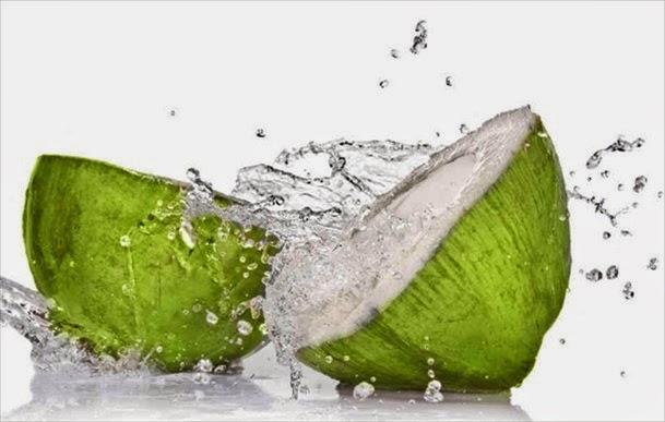 khasiat / manfaat kelapa bagi kesehatan, manfaat buah kelapa muda bagi ibu hamil, manfaat buah kelapa hijau, manfaat buah kelapa untuk kecantikan, kegunaan buah kelapa, manfaat daging kelapa muda, manfaat buah kelapa bagi tubuh