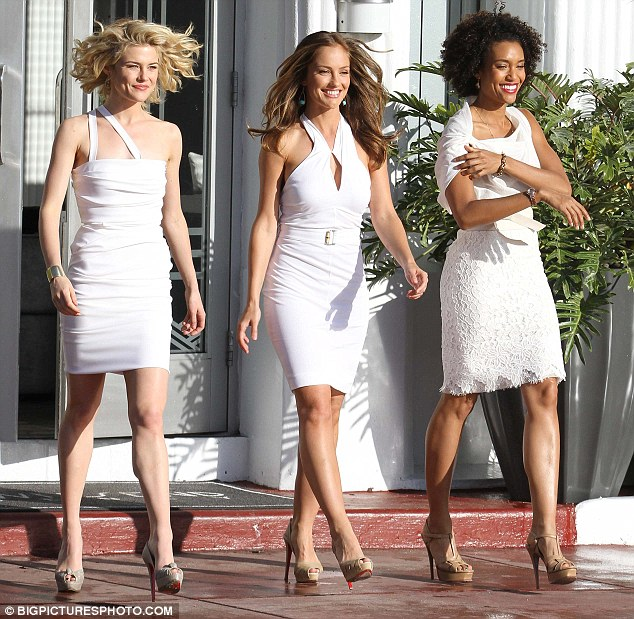 And now for the action: Rachael Taylor, Minka Kelly and Annie Ilonzeh film ...