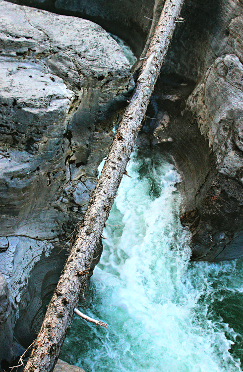 maligne canyon jasper alberta rocky mountains travel photography