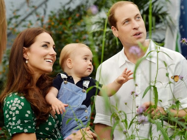 Psychologists Say Doing These 7 Activities Will Make You Happier. Picture of Kate Middleton, Prince William and Prince George.