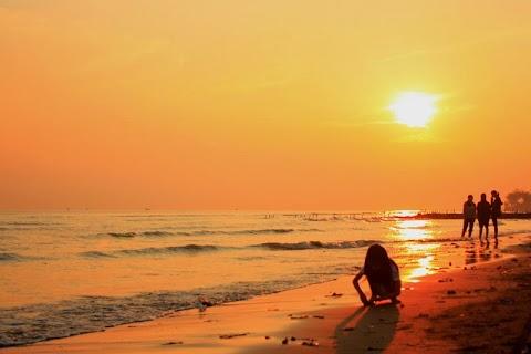 Wisata Pemalang -  Ikon Pemalang, Pantai Widuri