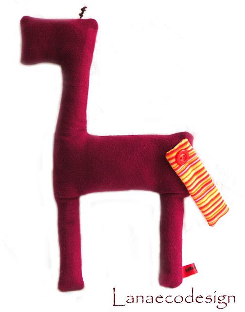 riciclo-creativo-creative-recycling-cucito-creativo-design-giocattolo-minimal-handmade-fatto-a-mano-machine-sewed