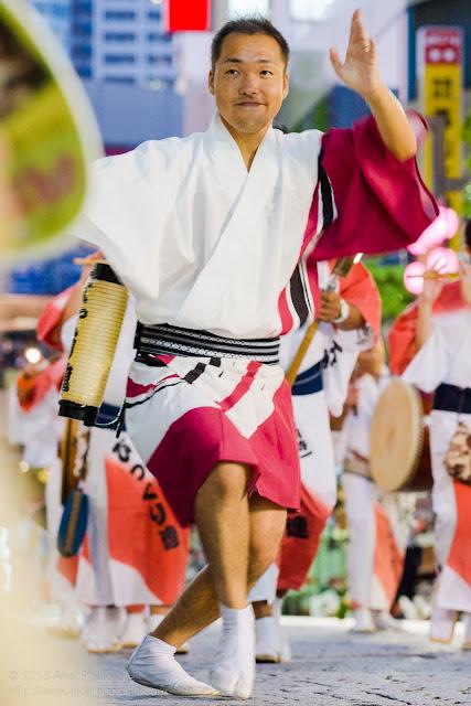 三鷹阿波踊り びっくり連の男踊り