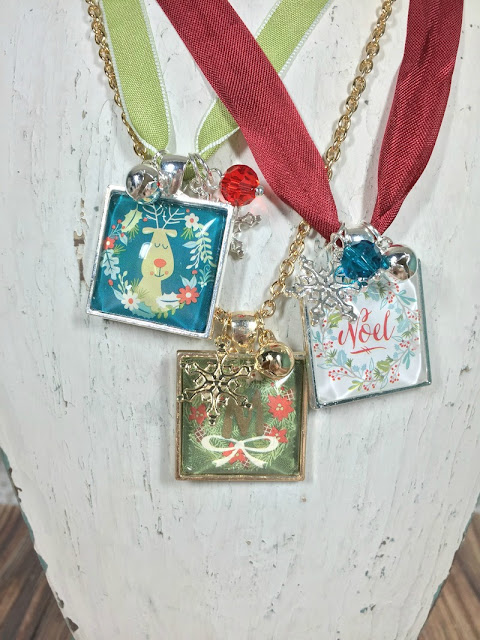 Make Your Own Holiday Necklaces!