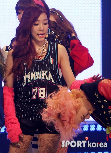 SNSD TIFFANY 2013 MNET COMEBACK STAGE