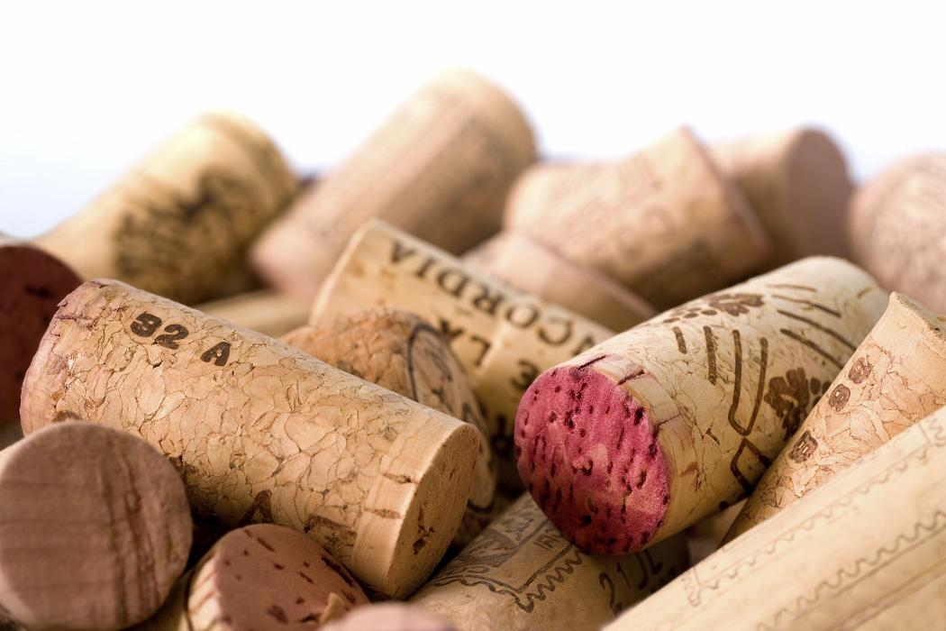 Diy wine cork bottle projects bona fide boho - What to make with wine corks ...