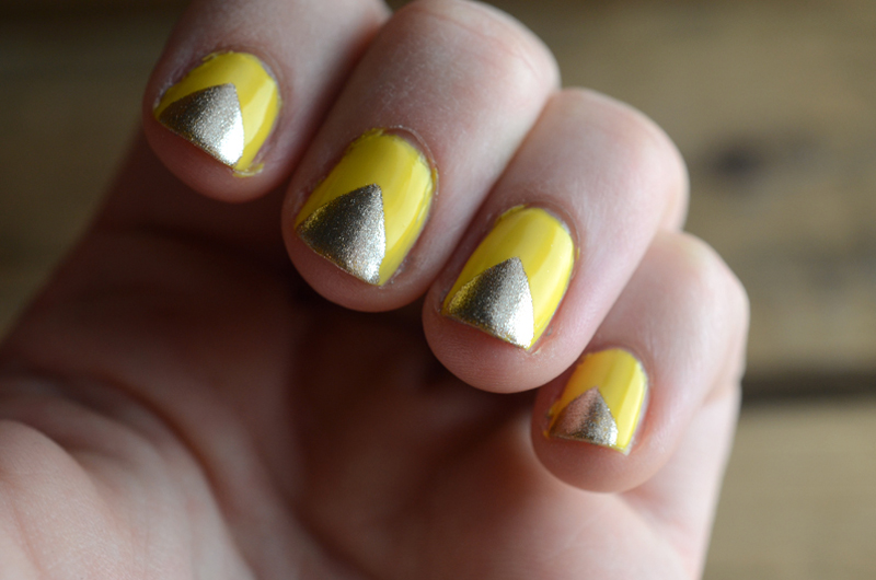 Chevron Nail Art - Triangle Nail Art - Yellow & Gold