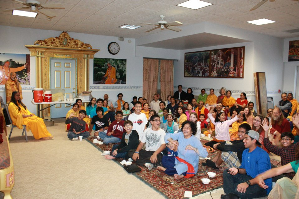 Thanksgiving retreat with Siddheshvari Devi at Radha Madhav Dham 15