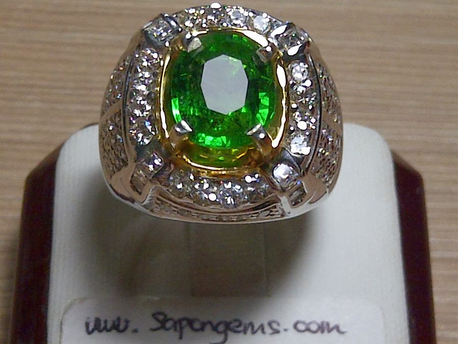 3,4ct NATURAL TSAVORITE GARNET GD RING only 23 MIO!