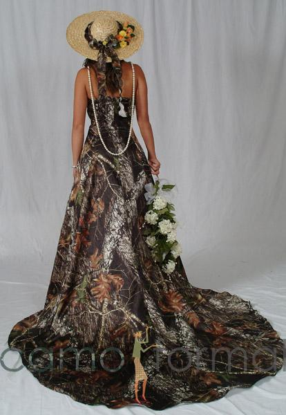 40 best images about [Themed] Camo/Redneck Wedding on Pinterest ...