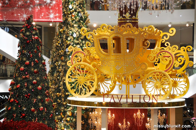 Carriage with 5,000 Swarovski elements crystals