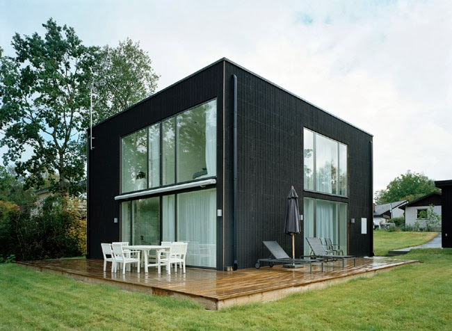 Jardines y casas casa moderna en color negro for Casa y jardin bazaar 2013