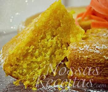 receita de bolo de cenoura preparado com amêndoas