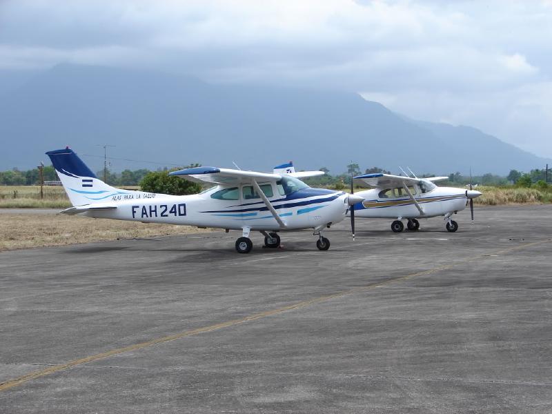 Fuerzas Armadas de Honduras Cessna+182B_FAH
