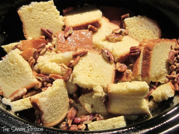 French Toast - 2nd layer of bread, pecans and egg-milk mixture in slow cooker