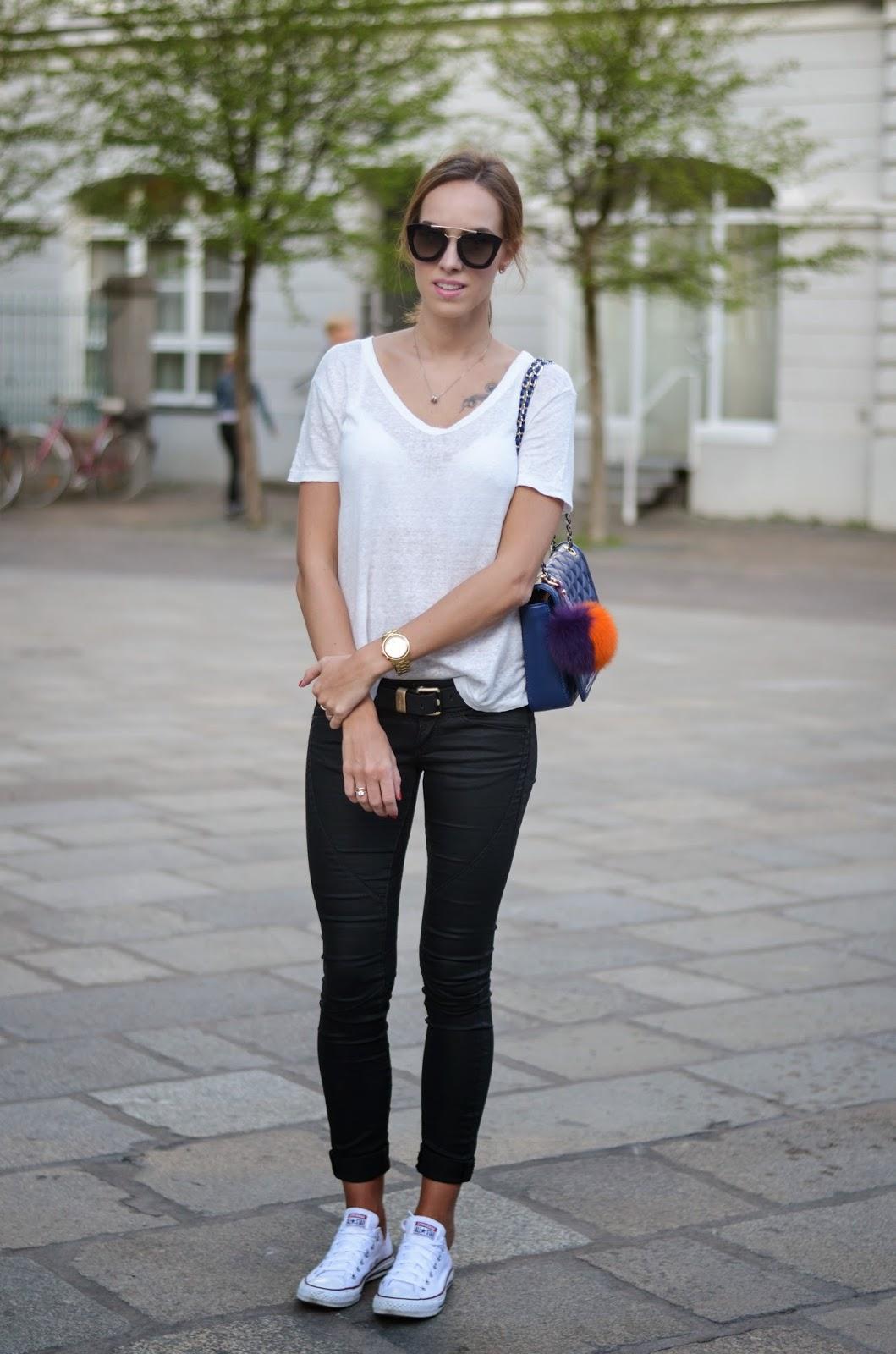 kristjaana mere h, white shirt guess black skinny jeans converse sneakers