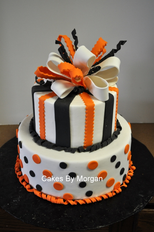 Fondant Cake Decorating Birthday : Morgan s Cakes: Fondant Halloween Cake