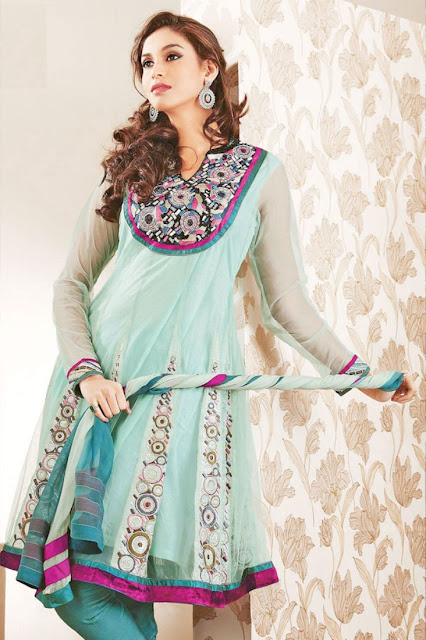 Fashion : New Shalwar Kameez Design 2011