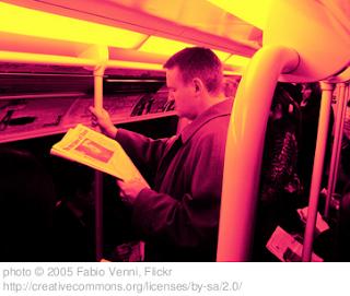 lettore sulla metropolitana