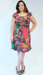 dicas de vestido floral para gordinhas usarem no ano novo