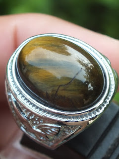 cincin batu tiger eye