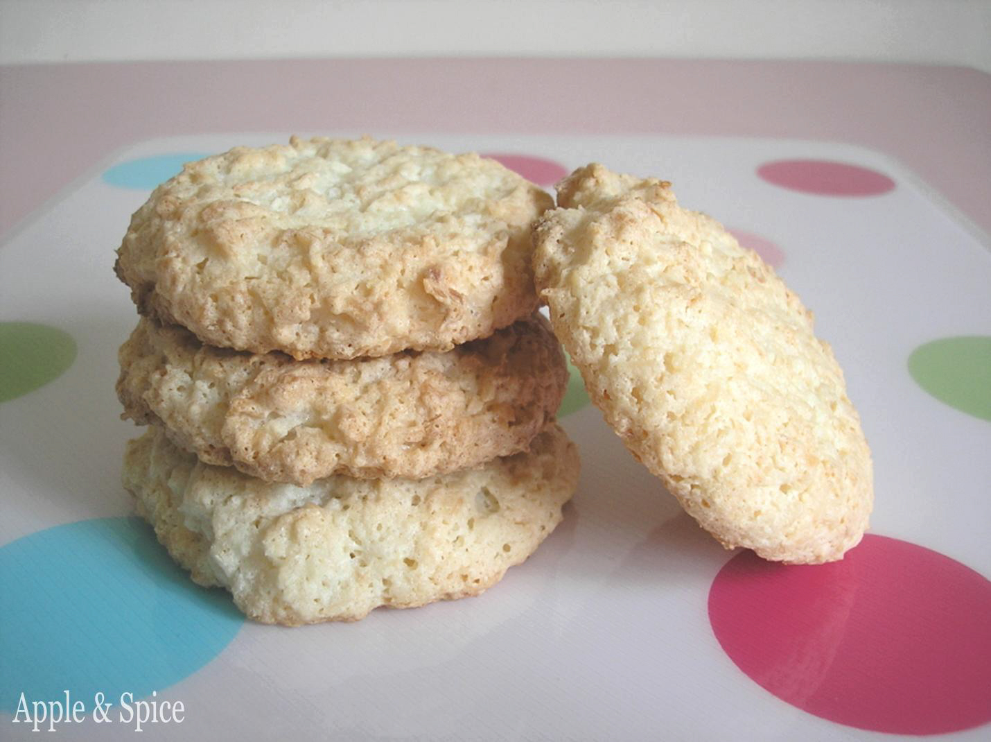 Apple & Spice: Coconut & Almond Macaroons Almond Macaroons Recipe Uk
