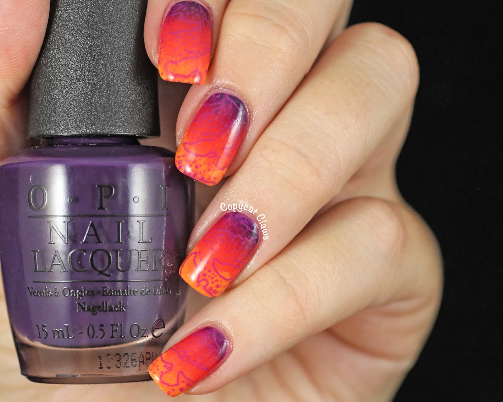 Copycat Claws: 31DC2014 Day 10 - Gradient Nails