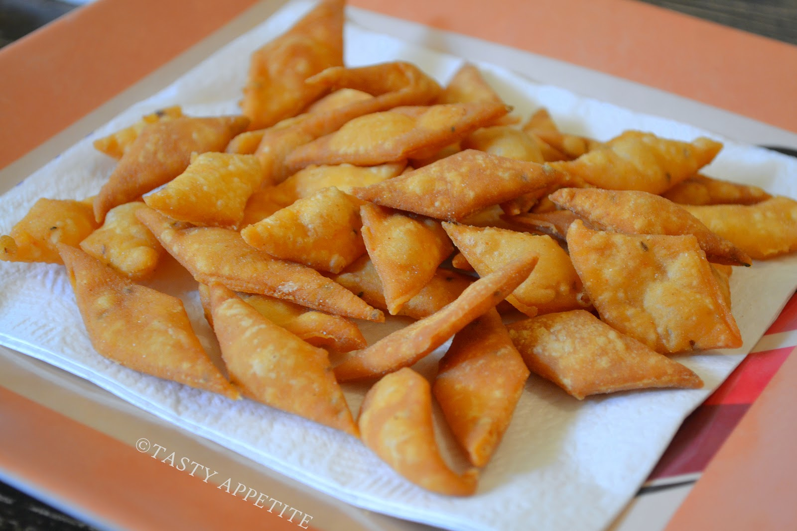 Spicy diamond cuts recipe savory maida biscuits diwali snacks recipe forumfinder Image collections