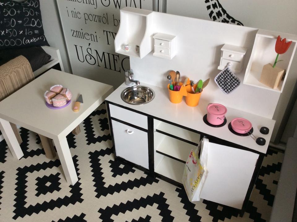 Kuchnia dla dziecka DIY  Mama trojki p -> Drewniana Kuchnia Dla Dzieci Jak Zrobic