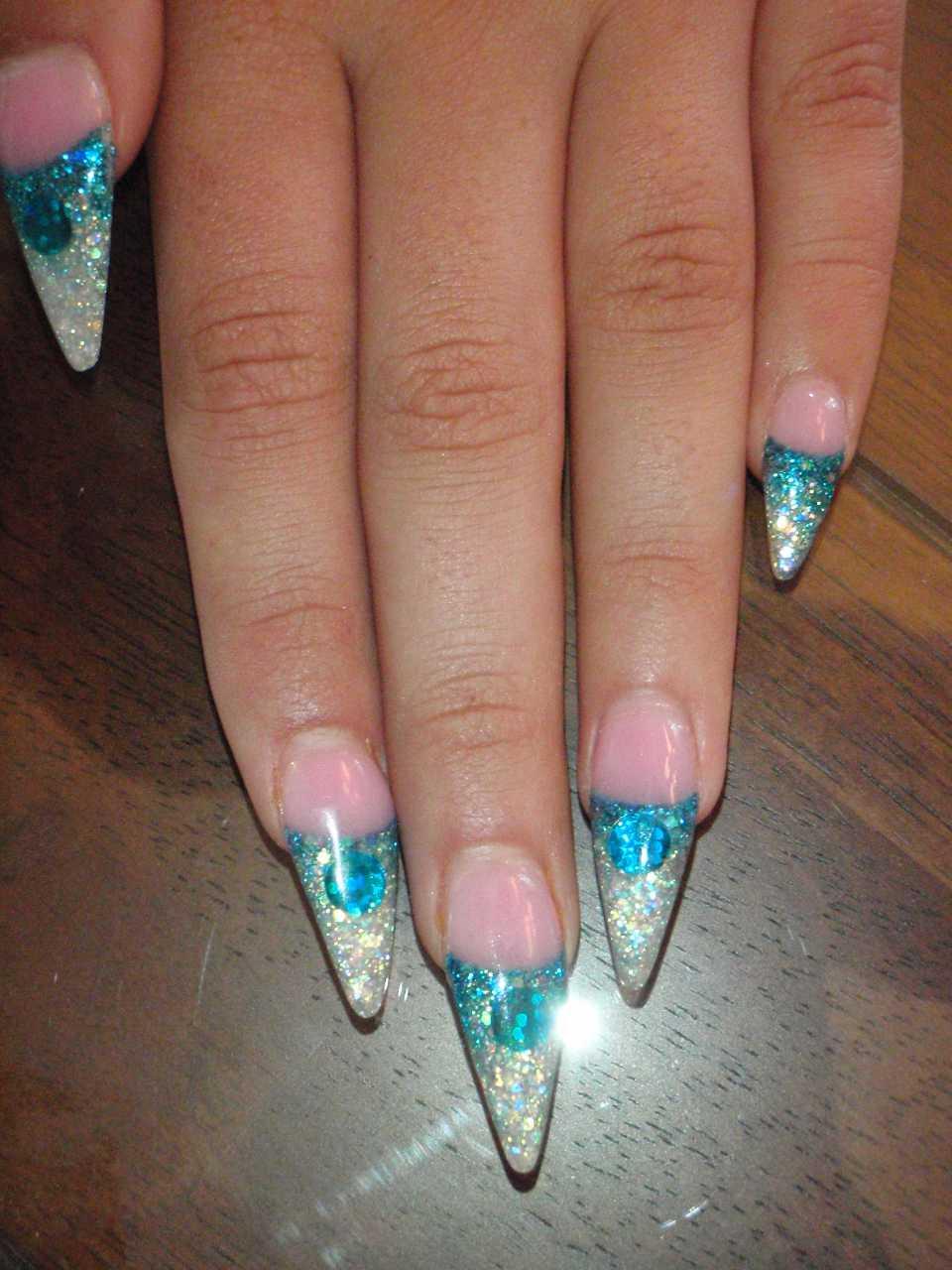 Aqua Stiletto French Nail Art | Nailic