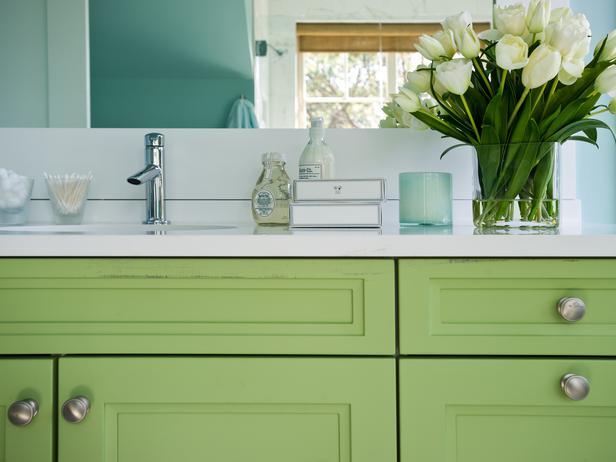 Twin Bathroom Pictures : HGTV Dream Home 2013 | Modern Furniture ...