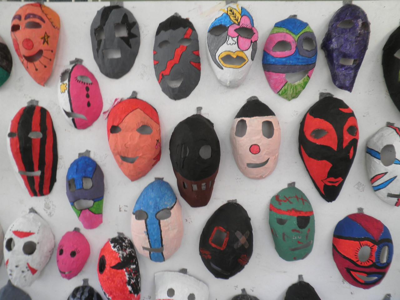 Mascaras com a técnica do balao PB030025