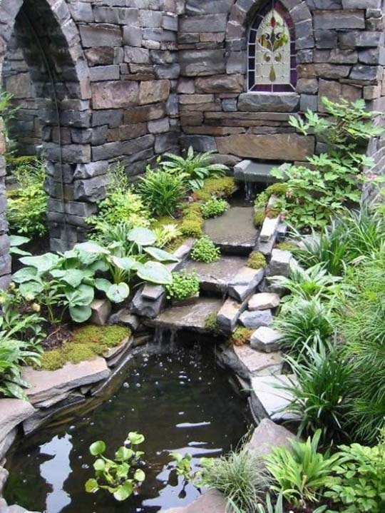 Natural backyard design ideas with pond for Outdoor pond ideas