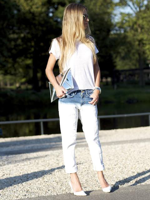 a filha do chefe destroyed jeans white shoes sapatos branco
