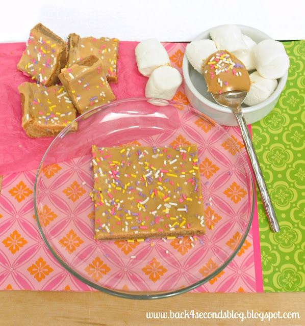 Fluffernutter Blondies #peanutbutter #marshmallow #fluff #blondies #sprinkles
