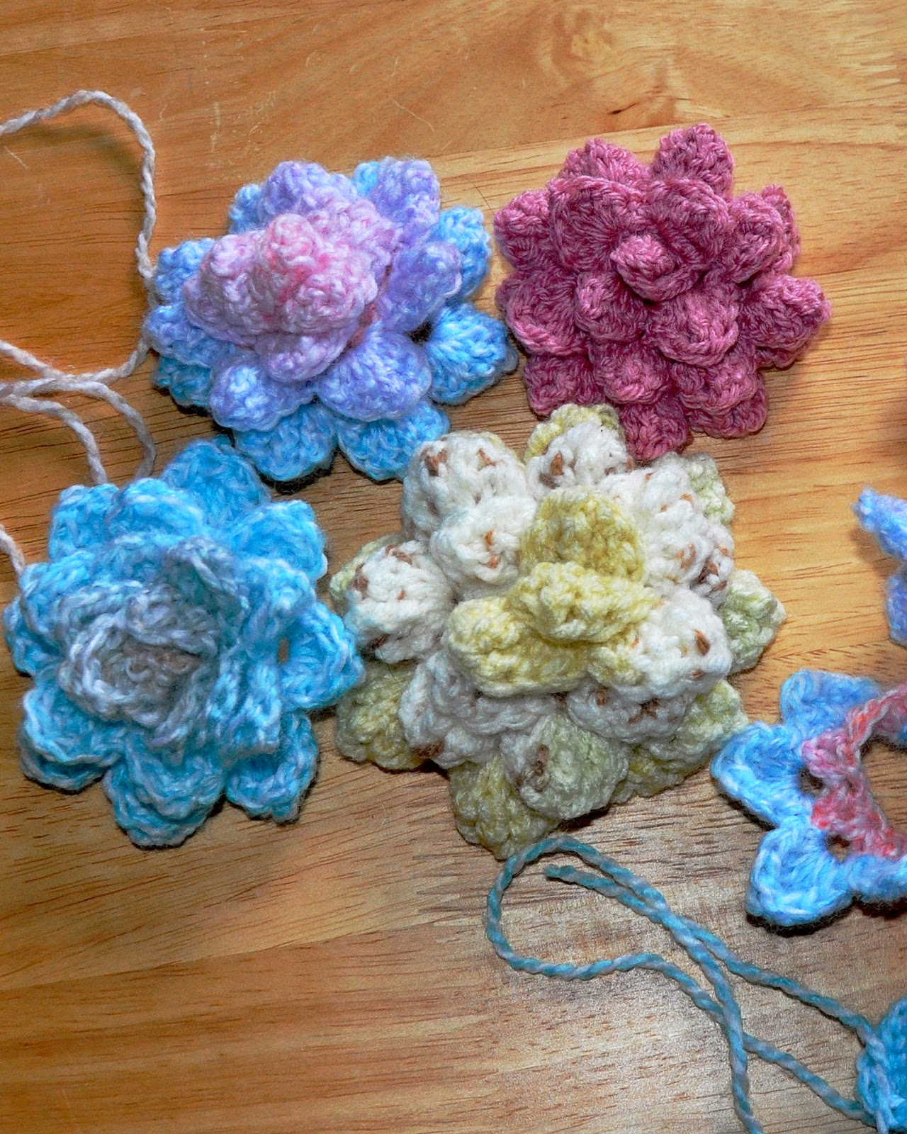 roll-up crochet flowers