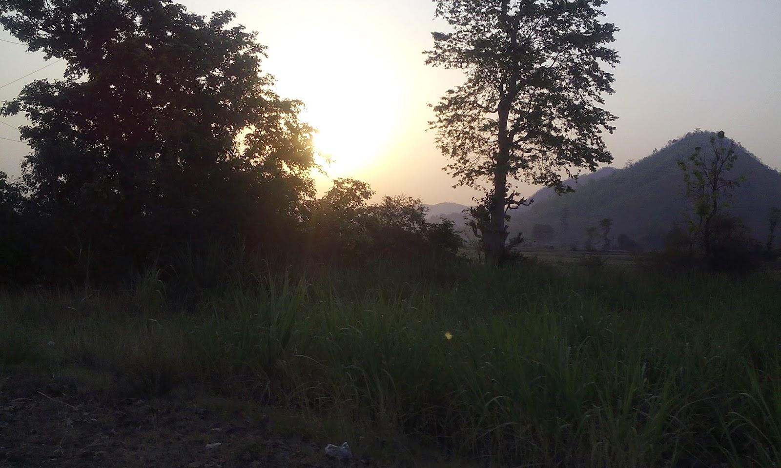 beautiful sunrise at satpura valley