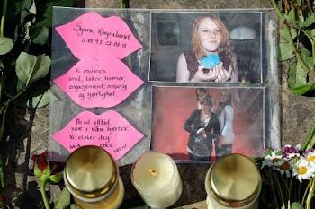 Homenaje a Synne, una de las víctimas de Utoya, de 18 años.