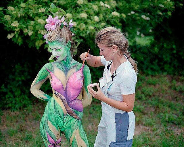art on the girl in the paint as full as flower