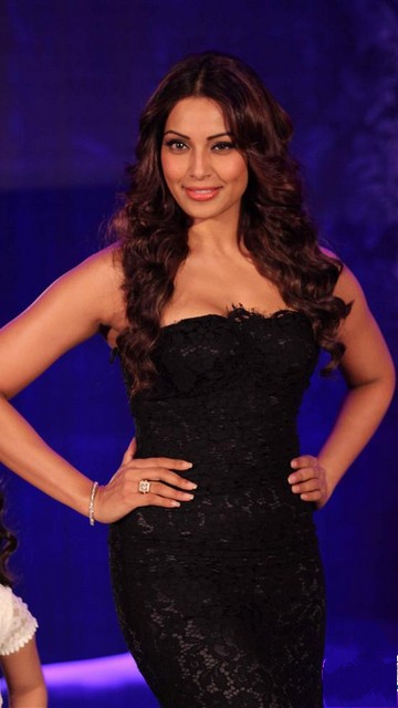 Bipasha Basu Photo Gallery 2013