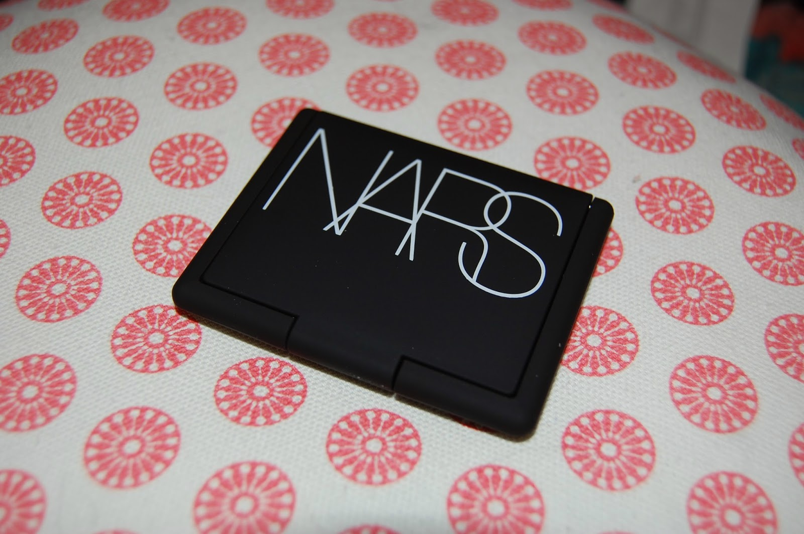 maybelline colour tattoo, eyeshadow, gel eyeshadow, pink, grey, metallics, make up, bbloggers, bblogger, beauty, maybelline, nars, albatross, highlight, contour