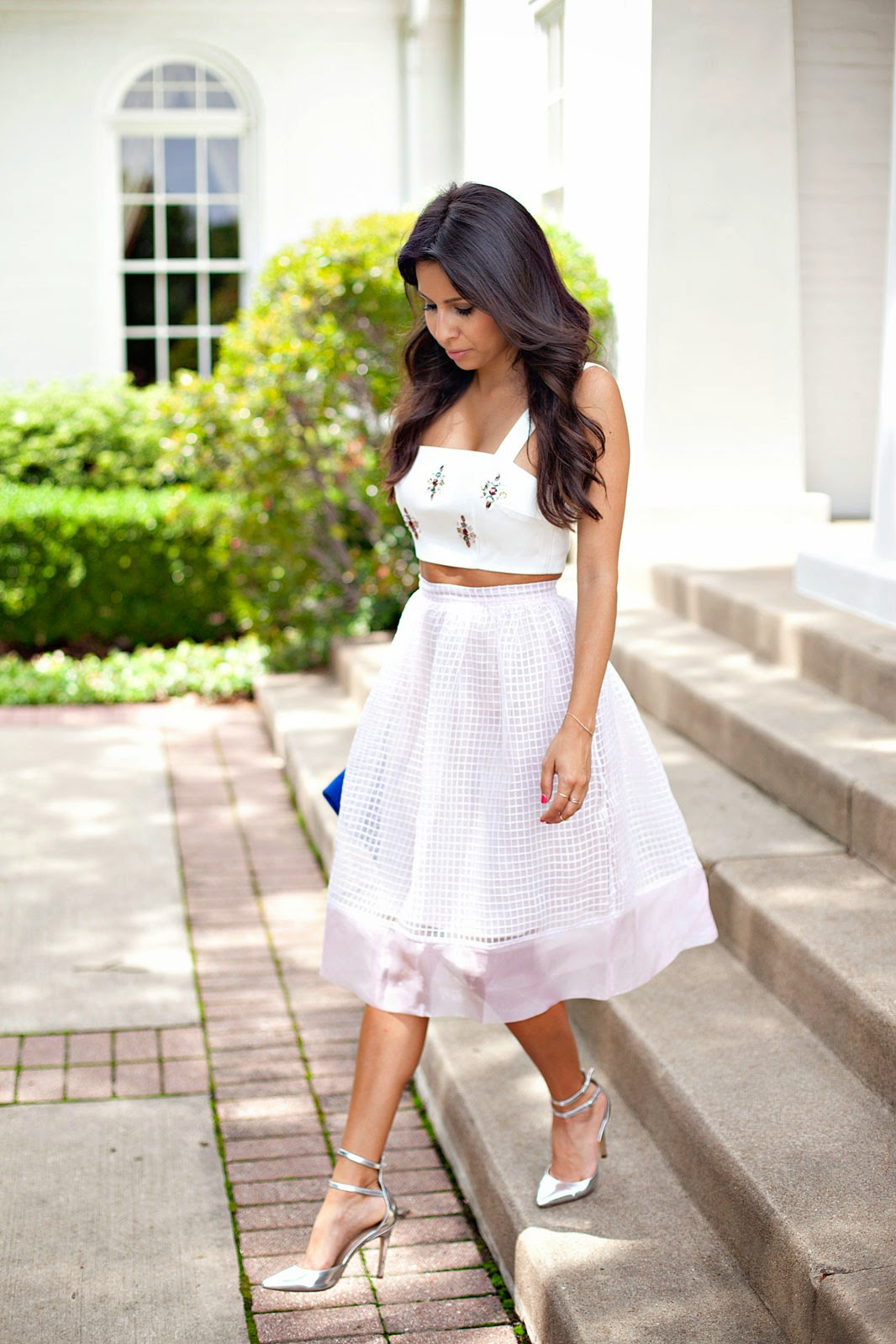 how to wear a midi skirt, midi skirt and crop top, elizabeth and james, how to wear keepsake crop top