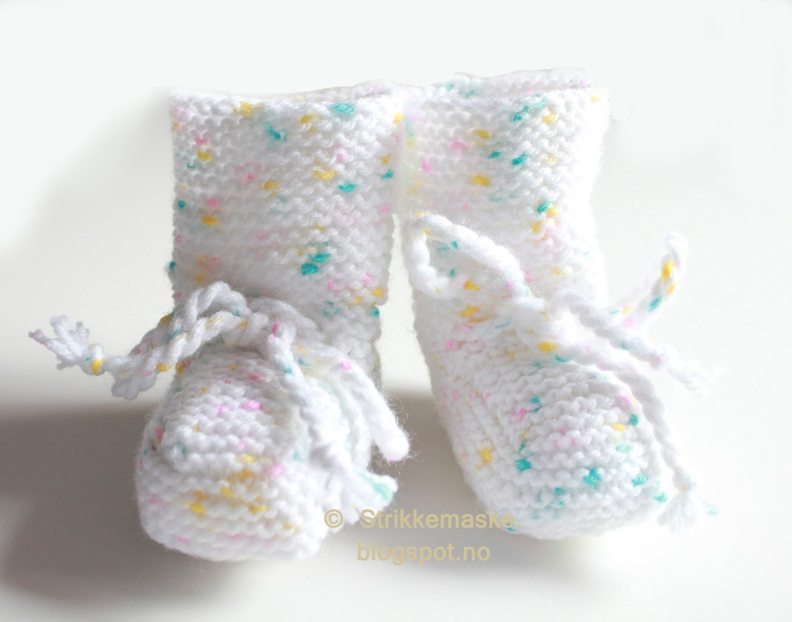Rillestrikket babybooties