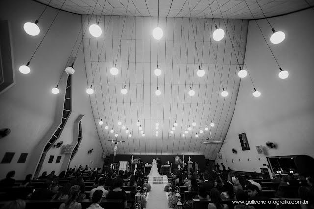 Fotojornalismo, casamento, post patrocinado, tiago galleone, fotos tradicionais, fotos espontâneas, padrinhos, madrinhas, tradicional, casal, altar igreja