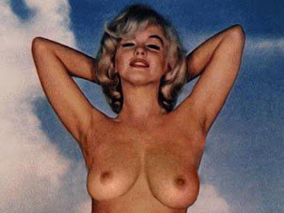 Marilyn Monroe naked in Gentlemen Prefer Blondes photo shoot