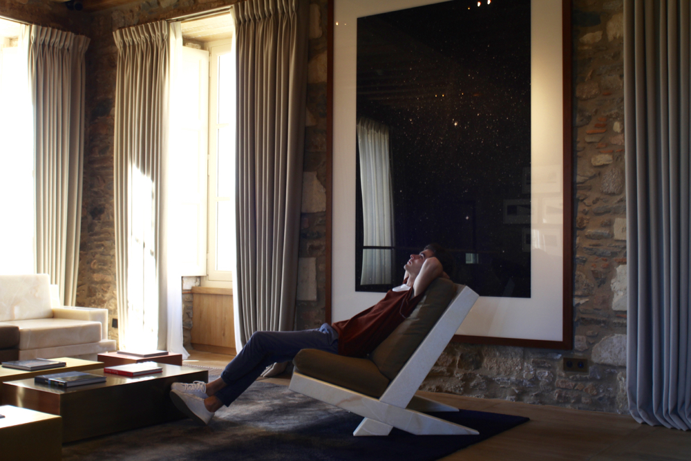 BLOG-MODE-HOMME_Voyage-weekend-france-amoureux-chateau-luxe-5-etoiles-domaines-des-etangs-dries-van-noten-bluecar-campagne-confidentiel