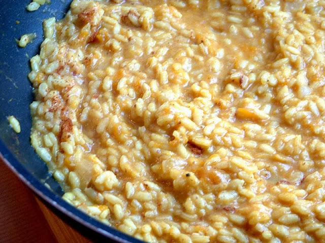 Risotto z dynią,cynamonem i parmezanem w towarzystwie marynowanego, grillowanego kurczaka kaloryczność